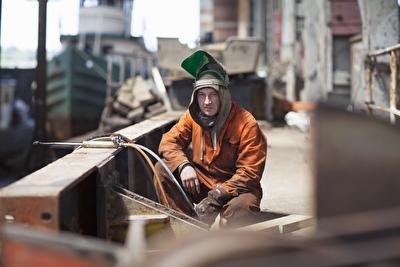polnische Schlosser beim Einsatz auf der Werft in Deutschland